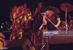 Ronnie Van Zant and guitarist Allen Collins from Lynyrd Skynyrd... News Photo | Getty Images