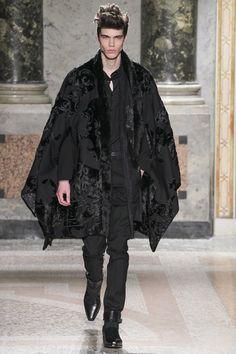 See the Roberto Cavalli menswear autumn/winter 2015 collection