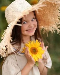 Beautiful Children, Baby Dress, Good Morning, Cowboy Hats, Crochet Hats, Kids, Photography, Animals, Daily News