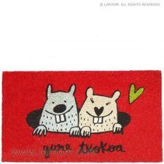 """Laroom - Felpudo rojo """"gure txokoa"""" - Laroom diseña y fabrica productos para el hogar y la vida - www.laroom.com Snoopy, Fictional Characters, Anna, Ideas, World, Jute, Red, Products, Dibujo"""