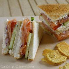 Smoked salmon club sandwich with Philadelphia Light cream cheese, cucumber, tomato, smoked salmon, red onions Easy Appetizer Recipes, Wrap Recipes, Salmon Recipes, Seafood Recipes, Cooking Recipes, Healthy Recipes, Club Sandwich Recipes, Sandwich Fillings, Smoked Salmon Sandwich