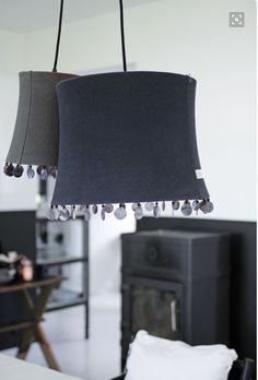 Abats jours simple et chic Keep The Lights On, I Love Lamp, Living Styles, Black And White Design, Lamp Shades, Chinese Style, Lamp Light, Sweet Home, Interior Design