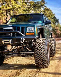 "1,074 Likes, 5 Comments - Ben Hooven (@benhooven) on Instagram: ""Nothing beats a wood cruise #jeep #cherokee #xj #claytonoffroad #3link #longarms #jeepxj #jeepbeef…"""