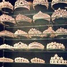 Image de princess, crown, and tiara Royal Crowns, Royal Jewels, Tiaras And Crowns, Crown Jewels, Pageant Crowns, Royal Tiaras, Crown Royal, Queen Crown, Bridal Crown