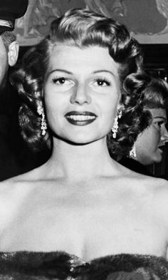 New York, Rita Hayworth At Film Premiere Of Salome At The Rivoli. March 1953 Get premium, high resolution news photos at Getty Images Hollywood Actor, Golden Age Of Hollywood, Vintage Hollywood, Hollywood Glamour, Hollywood Stars, Hollywood Actresses, Rita Hayworth, Myrna Loy, Actrices Hollywood