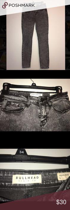 Size 5 bullhead black jeans never worn! Size 5 bullhead black jeans never worn, acid wash, jeggings, fit amazing hugs your body! Bullhead Jeans Skinny