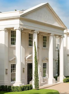 Explore our Dawn Hill, Wentworth Estate project to understand why Ascot Design is a Berkshire based architect with a global reputation for high quality work. Greek Revival Architecture, Neoclassical Architecture, Facade Architecture, Architecture Awards, Villa Design, Facade Design, Exterior Design, Classic House Exterior, Classic House Design