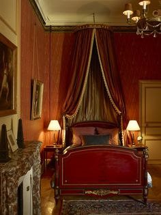 Artwork For Home Decoration Product Bedroom Red, Bedroom Decor, Antique Interior, Nordic Interior, Interior Design Photos, French Chateau, French Country House, Beautiful Interiors, French Interiors