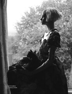 dead girls: womenandcats:   Anastasia Ivanova, Vision...