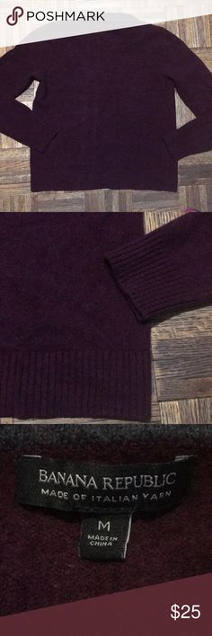 Banana Republic Merino Wool Sweater Size M This is a really soft and cozy wool sweater. It is made of 100% merino extra fine wool. In great condition. No holes or stains. Size M Banana Republic Sweaters