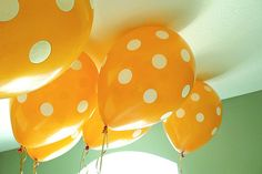 Orange and white balloons. University of Tennessee. Volunteers / Vols. Football party decoration.