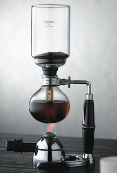 The new coffee syphon with a slip-resistant, easy-to-grip handle by HARIO