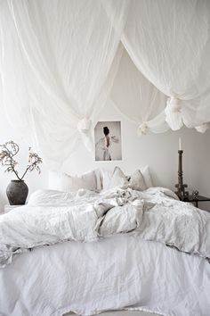 This is a Bedroom Interior Design Ideas. House is a private bedroom and is usually hidden from our guests. Much of our bedroom … Cozy Bedroom, White Bedroom, Bedroom Inspo, Dream Bedroom, Bedroom Decor, Luxurious Bedrooms, Luxury Bedrooms, Minimalist Bedroom, Beautiful Bedrooms