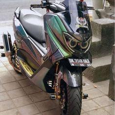 Yamaha Nmax, Cool Bikes, Golf Bags, Matte Black, Dan, Engineering, Motorcycle, Vehicles, Sportbikes