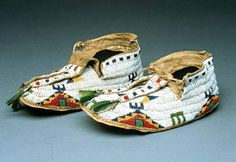 NativeTech: Native American Varieties of Moccasins - Sioux