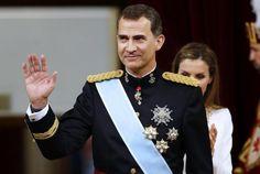 """tradicional desfile de las fuerzas armadas, POBRE DE AMERICA LATINA, AHORA QUIEREN DISCUPA POR EL ZAQUEO, """"ADDING INSULT TO INJURY"""""""