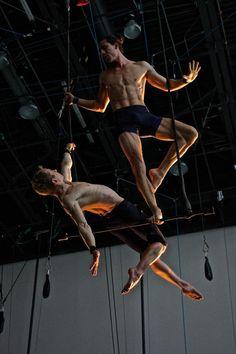 Ideas For Pole Dancing Poses Angles Aerial Dance, Aerial Acrobatics, Aerial Silks, Dark Circus, Circus Art, Human Poses, Male Poses, Pole Dance, Anatomy Poses