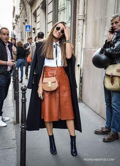 Leather Midi Skirt and Ankle Boots Look – Fashion Trends and Street Style . Mode Outfits, Fashion Outfits, Womens Fashion, Fashion Trends, Fashion Bloggers, Casual Outfits, Fall Winter Outfits, Autumn Winter Fashion, Fall Fashion