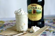 Irish Whipped Cream: When whipping cream starts to set, slowly add in fine grain sugar and Irish Cream. Irish Desserts, Irish Recipes, Just Desserts, Low Carb Recipes, Dessert Recipes, Chocolate Crepes, Chocolate Stout, Yummy Drinks, Yummy Food