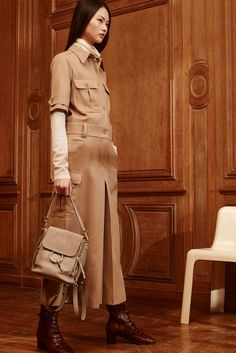 Chloé Pre-Fall 2017 Fashion Show Collection Chloe Fashion, Tomboy Fashion, Fashion Week, Fashion 2017, Fashion Trends, Fall Collection, Fashion Show Collection, Autumn Winter Fashion, Fall Winter