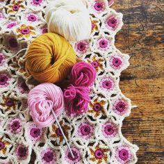 Crochet wrap @ the mercerie