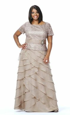Whether you have a black tie event or a military ball, turn heads and look glamorous in these plus size long evening gowns. Buy plus size formal evening gowns. Formal Gowns With Sleeves, Plus Size Formal Dresses, Plus Size Gowns, Tea Length Dresses, Wedding Dresses Plus Size, Formal Evening Dresses, Plus Size Outfits, Short Sleeves, Mother Of The Bride Plus Size