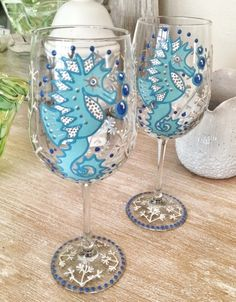 Seahorse Wine Glasses Set of 2 Wine Glass Crafts, Wine Glass Set, Wine Bottle Crafts, Decorated Wine Glasses, Hand Painted Wine Glasses, Wine Bottle Glasses, Wine Bottles, Diy Painting, Glass Art