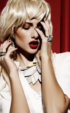 fashion ‹ Pilar Lucas – Makeup and Hair. Red lips