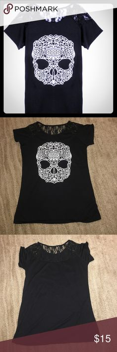 Nwt black skull top with lace detail Cute Nwt black skull top with lace detail- large Tops Tees - Short Sleeve