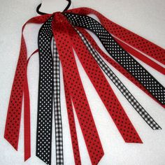 Show your school or team spirit with Ponytail Streamers