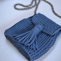 Еще одна маленькая,но вместительная сумочка.цвет #деним #сумкаизленточнойпряжи #сумочканацепочке .ц 1300