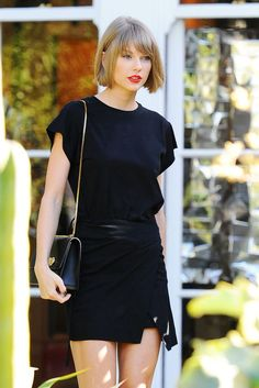 Taylor Swift shows off never ending legs in miniskirt and towering heels as Kanye brands her & Taylor Swift Outfits, Style Taylor Swift, All About Taylor Swift, Taylor Swift Pictures, Taylor Alison Swift, Taylor Swift Short Hair, Red Taylor, Taylor Swift Wallpaper, Look Fashion