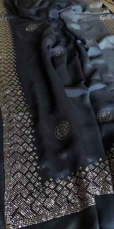 Brocade Saree, Organza Saree, Tussar Silk Saree, Georgette Sarees, Bollywood Style, Bollywood Fashion, Indian Designer Suits, Saree Look, Elegant Saree