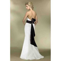 Cheap Black And White Bridesmaid Dresses - Wedding and Bridal Inspiration White Bridesmaid Dresses, Ivory Dresses, Bridal Dresses, Black White Wedding Dress, White Bridal, White Dress, Mermaid Dresses, Designer Wedding Dresses, Beautiful Gowns