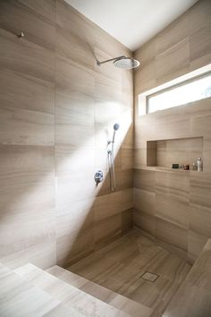 Queens Residence: A Reworking of Inside Architectural with A New Panorama De. Queens Residence: A Reworking of Inside Architectural with A New Panorama Design Interior Natural, Modern Interior, Interior Architecture, Interior Design, Design Rustique, Bathroom Mirror Lights, Bathroom Shelves, Bathroom Organization, Garden Landscape Design