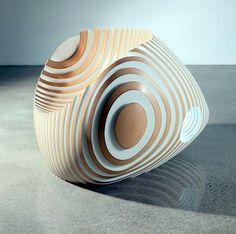 esta escultura está realizada en formica