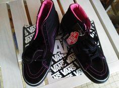 VANS Baskets http://www.videdressing.com/baskets/vans/p-4801934.html?&utm_medium=social_network&utm_campaign=FR_femme_chaussures_4801934