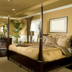 View This Great Traditional Master Bedroom With Hardwood Floors U0026 Crown  Molding By Home Stratosphere. Discover U0026 Browse Thousands Of Other Home  Design Ideas ...