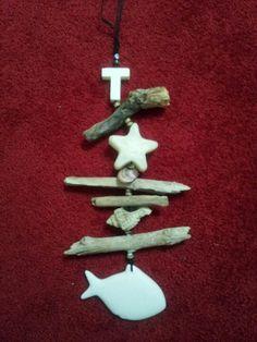 Als herinnering aan vakantie Lesbos voor ieder een hanger met takjes en schelpen van dit Griekse eiland