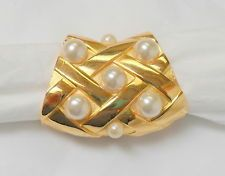 Vintage 1980's  Faux Pearl & Gold Tone Basket Weave Scarf Ring