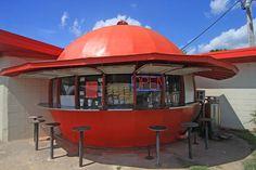 Roadside Attractions in Arkansas: Mammoth Orange Cafe in Redfield