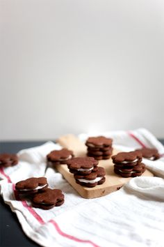 Peppermint Marshmallow Sandwich Cookies by @Molly Simon Simon yeh