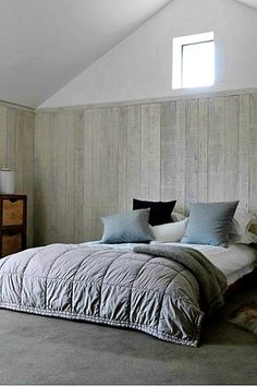 Gentle endorsed amazing bedroom styles as well as design on a budget published here Bedroom Decorating Tips, Simple Bedroom Design, Pretty Bedroom, Awesome Bedrooms, Bedroom Styles, Cribs, Furniture, Budget, Album