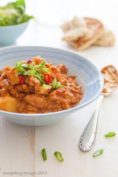 Op zoek naar lekkere recepten voor in de slowcooker kwam dit slowcooker kip recept naar voren van de site van kayotic kitchen. Topper!