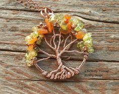 Colgante de Bonsai Arbol de la vida envuelta, Peridot y cornalina perlas, joyería hecha a mano, envejecido cobre alambre árbol joyas, perfectamente trenzado del alambre