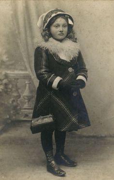 PHOTOS d' ENFANTS - femmes en 1900