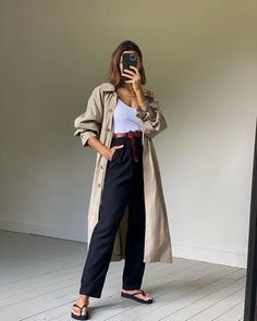 9 Basics Already in Your Closet—and All the Cool Ways to Wear Them This Fall Fall Staples, Wardrobe Staples, Fall Wardrobe, Fall Looks, Autumn Summer, Who What Wear, Beautiful Outfits, Winter Outfits, Normcore