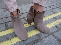 Isabel Marant dicker boots.   Discover more of my pictures of the lovely Camille on http://www.camilleovertherainbow.com
