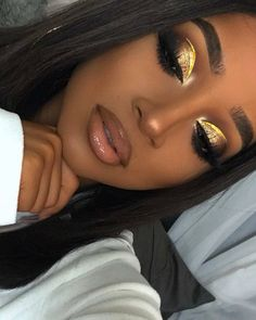 New gold prom makeup black girl ideas Glam Makeup, Makeup On Fleek, Flawless Makeup, Cute Makeup, Gorgeous Makeup, Pretty Makeup, Hair Makeup, Makeup Blog, Seductive Makeup