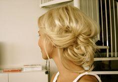 ルーズまとめ髪 : 海外女子の、簡単で可愛いまとめ髪アレンジ - NAVER まとめ